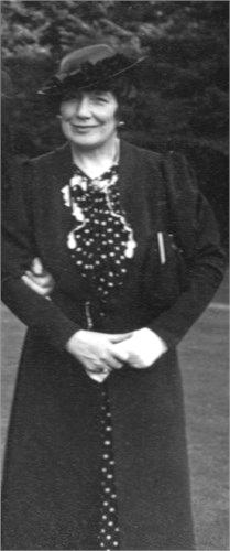 Helen McKie – The Soldiers' Friend (1/6)