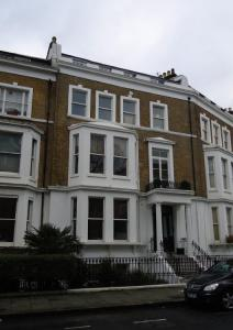 4 Cromwell Crescent