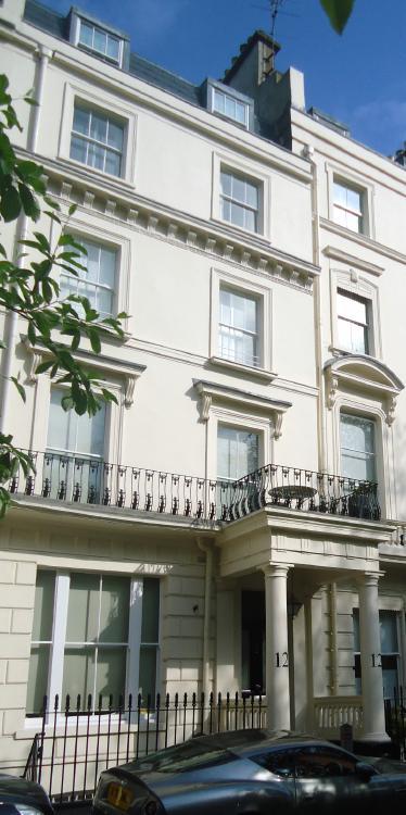 12 Clifton Gardens
